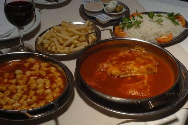 O filé à parmegiana do Roma é tradição na gastronomia de Brasília  (Cadu Gomes/CB/D.A Press)