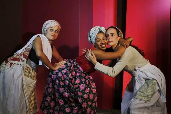 O diretor José Regino buscou valorizar a versatilidade das atrizes  (Nara Oliveira/Divulgação)