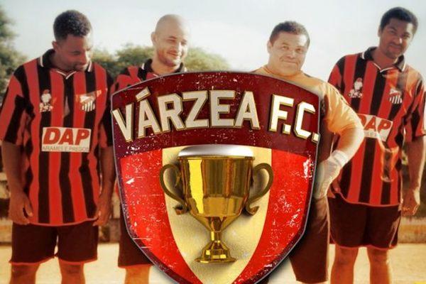 Em Várzea F.C., os jogadores levam o futebol com descontração  (History Channel/Divulgação)