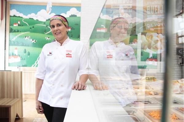 Mary Lacerda: produtos frescos garantem a qualidade do sanduíche  ( Ana Rayssa/Esp. CB/D.A Press)