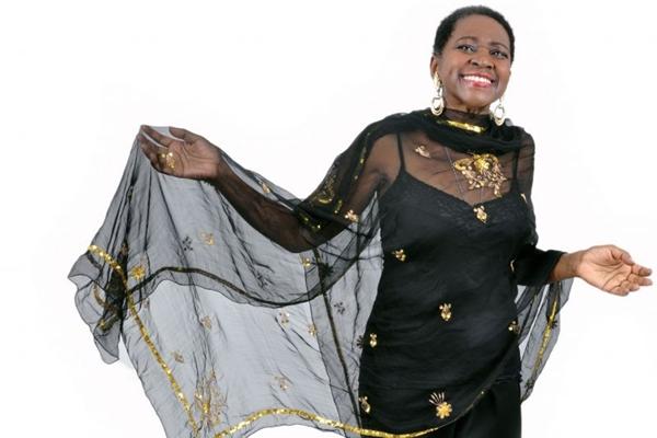 Áurea Martins vai relembrar clássicos como Janelas abertas em show no Teatro da Caixa (Mariza Lima/Divulgação)
