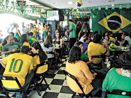 Animação está garantida nos bares e restaurantes (Rômulo Juracy/Divulgação )