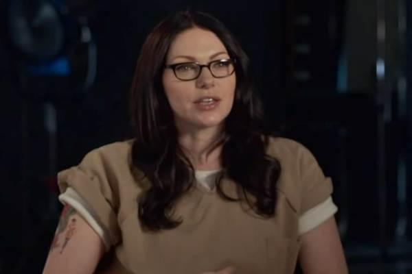 A atriz interpreta Alex Vause na série