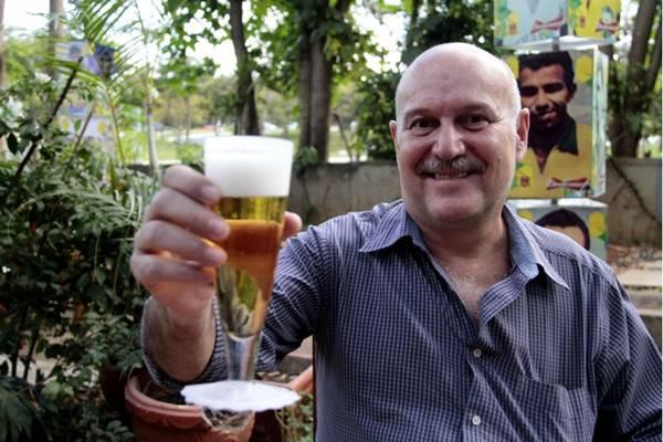 Mauro Calichman está pronto para receber os turistas chegados à boemia  (Ana Rayssa/Esp. CB/D.A Press)
