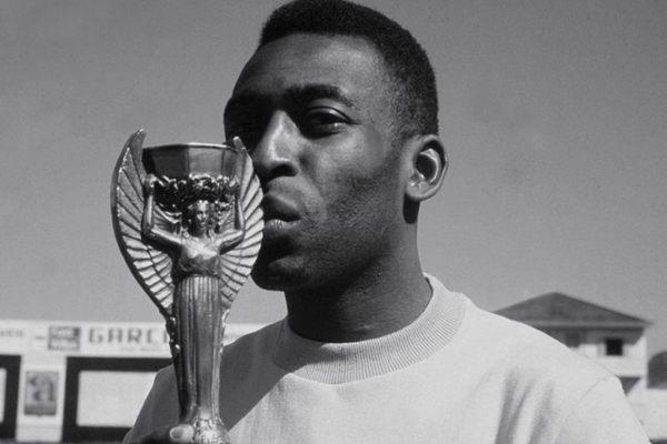 Pelé eterno mostra todas as conquistas do rei do futebol  (Universal Pictures/Divulgação)