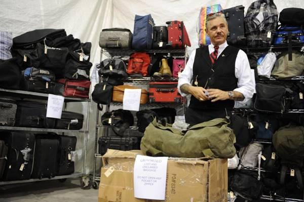 Nada de desperdício: no programa, as bagagens esquecidas são muito bem aproveitadas  (TLC/Divulgação)