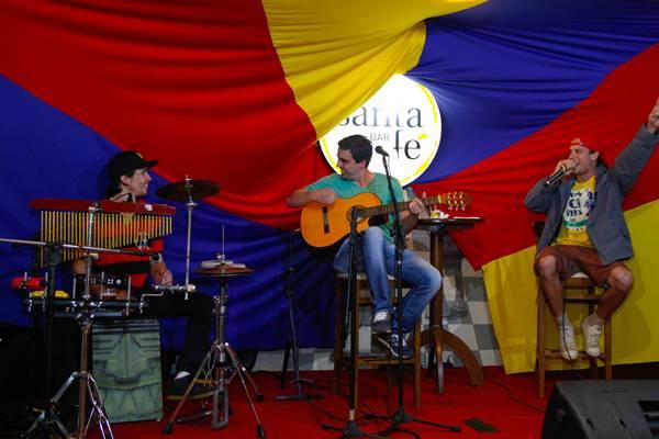 A programação musical fica por conta dos músicos Rafael Nascimento, Henrique Farias e Henrique Reis (Rômulo Juracy/Divulgação )