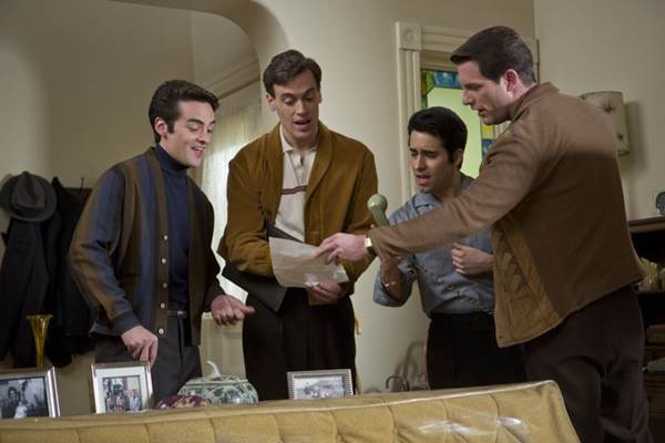 O quarteto The Four Seasons ganha longa em que o roteiro é o destaque  (Warner/Divulgação)