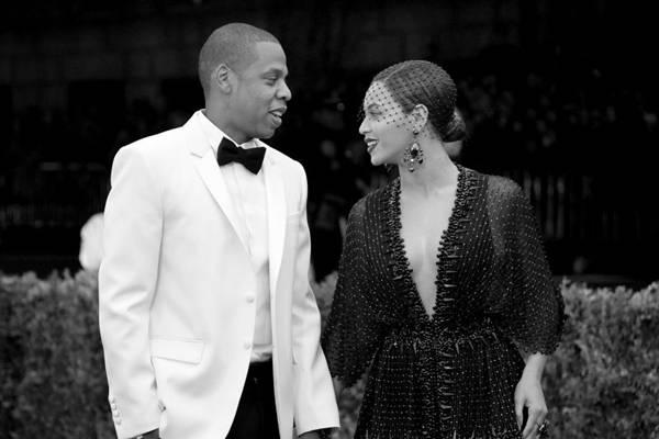 Beyoncé alimenta boatos de traição de Jay-Z com alteração na letra de uma de suas canções (Mike Coppola/Getty Images/AFP)