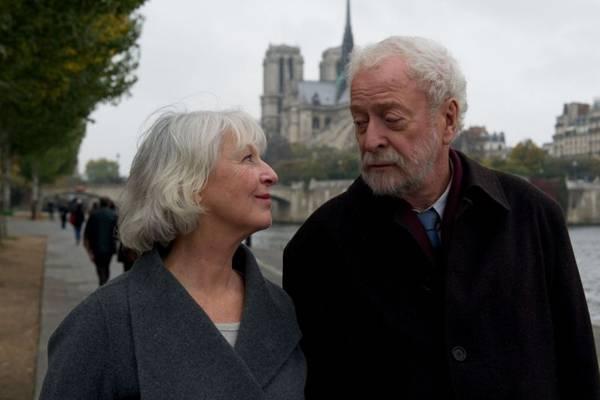 Jane Alexander e Michael Caine roubam a cena no sensível filme  (Tucumanfilmes/Divulgação)