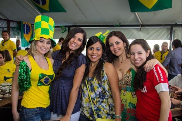 Andreia Perez, Marina Nascente, Thaisa Casari, Juliana Sarkis e Camilla Beccon (Romulo Juracy/Esp. CB/D.A Press)