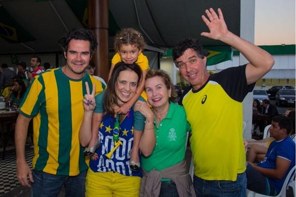 João Ricardo, Fernanda Vancine, Manoela de Abreu, Maria Regina e Sérgio Oprea (Romulo Juracy/Esp. CB/D.A Press)