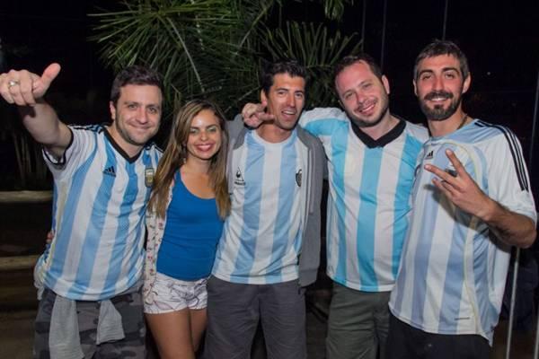 Martín Barros, Jussara Costa, Cristian Flores, Dani Di Constanso e Arñan Cutello  (Romulo Juracy/Esp. CB/D.A Press)