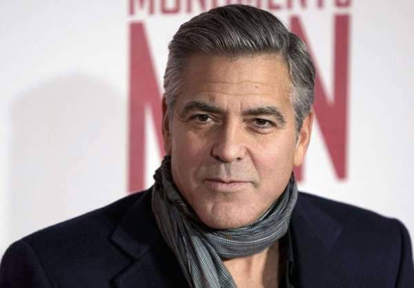 Clooney: 'O Daily Mail publicou uma história completamente inventada sobre a oposição da mãe da minha noiva ao nosso casamento por razões religiosas' (Neil Hall/Files/Reuters)