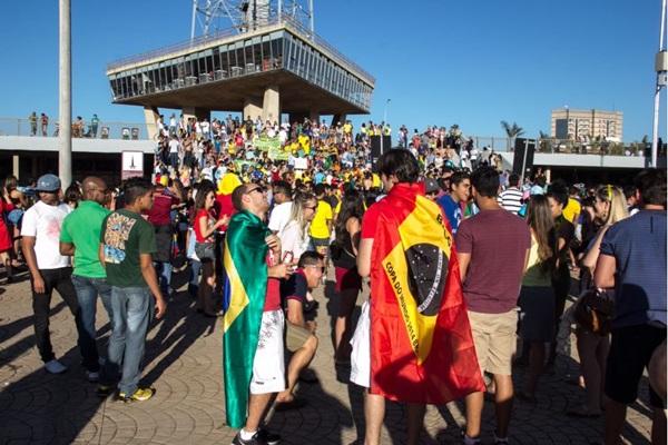 Torre de TV se destacou entre os turistas e é um dos pontos turísticos mais visitados durante a Copa (Rômulo Juracy/Esp. CB/D.A Press)