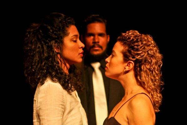Prisões metafóricas estão presentes no texto baseado em clássico do teatro moderno  (Junior Ribeiro/Divulgação)