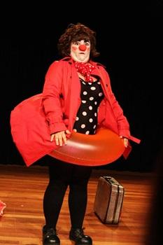 Atriz Michele Silveira como Barrica: 'Ser palhaça é um ofício, uma missão'  (Agnes Rath/Divulgação)