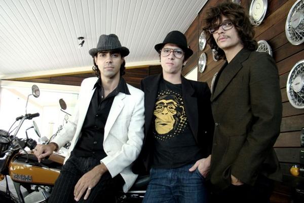 Integrantes da Banda Brasiliense The Neves (Aline Andrade/Divulgação)