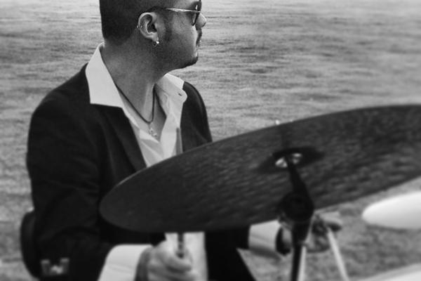 Baterista Allen Pontes comanda o Jazz Sessions. no Paradiso Cine Bar (Eibe Santos/Divulgação)