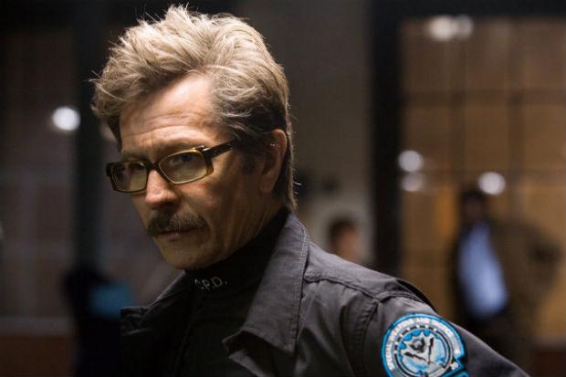 Gary Oldman como Comissário Gordon em cena de 'Batman: O cavaleiro das trevas' (Warner Bros./Divulgação)
