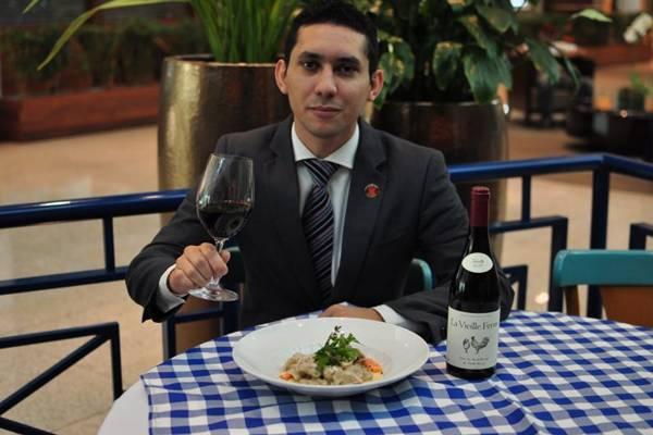 Francisco Chaves combina vinhos encorpados e frutados com vitela (Paula Rafiza/Esp. CB/D.A Press)