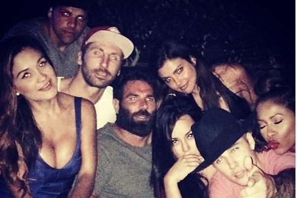 Justin Bieber e companhia durante balada nesta semana  (Instagram/Reprodução)