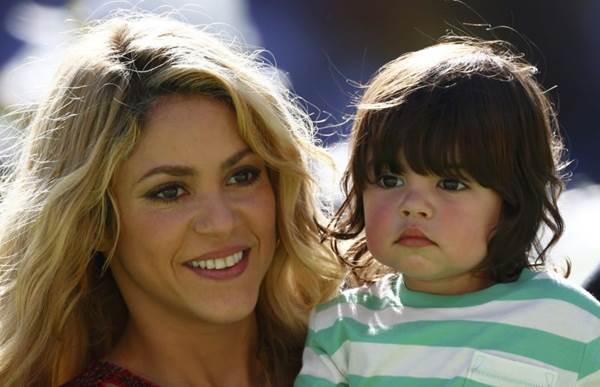 Shakira e Piqué já são pais de Milan (Eddie Keogh/Reuters)