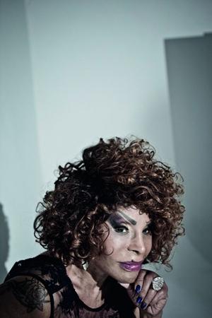 Elza Soares vai se apresentar ao lado de dois DJs na área externa do Museu da República ( Rodrigo Braga/Divulgação)