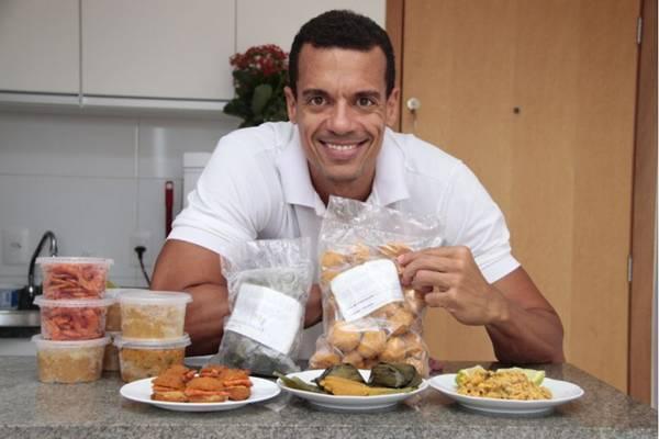 Acarajé, do chef Iuri Barbosa, é um dos quitutes baianos servidos no Expresso Acarajé  ( Ana Rayssa/Esp. CB/D.A Press)