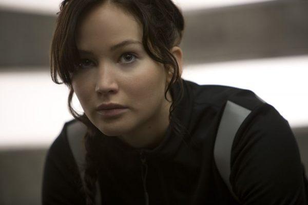 Katniss, vivida pela atriz Jennifer Lawrence (Paris Filmes/Divulgação)