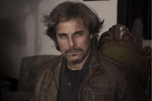 O ator vai interpretar Dr. João Paulo Gil na série ( GNT/Divulgação)