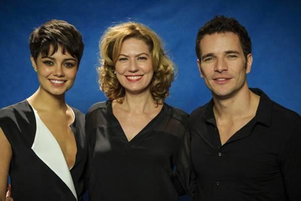 Sophie Carlotte, Patrícia Pillar e Daniel de Oliveira, em O Rebu (GLOBO/Alex Carvalho)