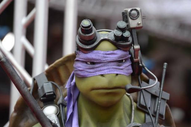 Estátua do personagem Donatello, do filme 'Tartarugas Ninja', em Los Angeles (AFP/Robyn Beck)
