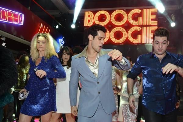 Trilha sonora é destaque na estreia de Boogie Oogie (Globo / Ellen Soares)
