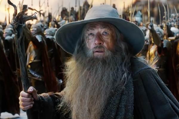 Mago Gandalf e Sauron vão duelar em uma guerra na Montanha Solidária (Reprodução/Youtube)