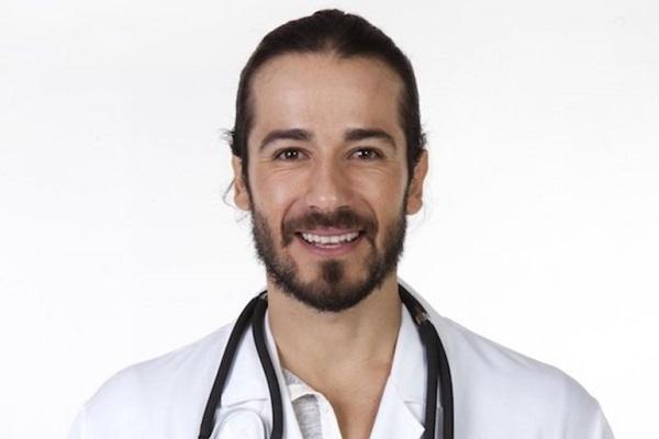 Ator Paulo Leal, o personagem Dr. Fernando da novela Chiquititas ( Lourival Santos/SBT)
