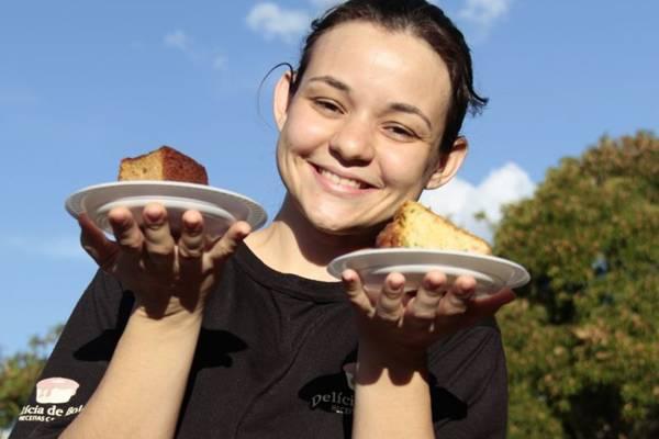 Chef confeiteira, Adriana Pla Tujades dá 'toque gourmet' a bolos caseiros  (Ana Rayssa/Esp. CB/D.A Press)