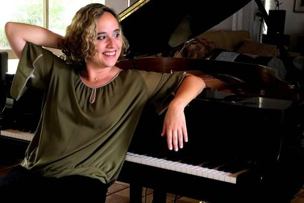 Joana Holanda ( Luiz Clementino/Divulgação)