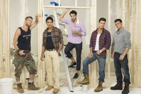 Ex-modelos bonitões viram operários para reformar casas de telespectadores  (Discovery Home & Health/Divulgação)