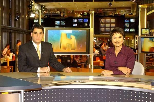 Apresentadores do Jornal Hoje Evaristo Costa e Sandra Annenberg ( Zé Paulo Cardeal/TV Globo)
