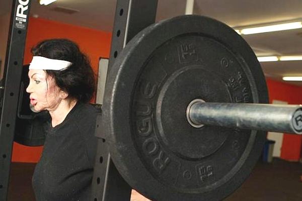 Jackie Stallone tem 92 anos (Daily Mail/Reprodução)