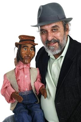Augusto e o boneco Fuleiragem  (Alan Santos/Divulgação)
