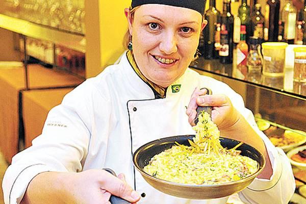 Ticiana Werner e seu rodízio de risotos: pratos servidos na frigideira direto na mesa do cliente  (Minervino Junior/CB/D.A Press)