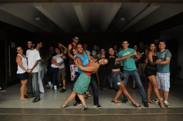 Professora de Zouk, Lary Barreto dá aulas em projeto da UnB (Zuleika de Souza/CB/D.A Press)