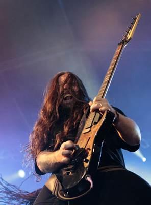 Guitarrista Andreas Kisser se junta ao grupo Matuto Moderno (Sergio Moraes/Reuters)