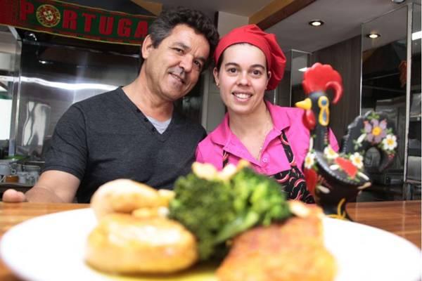 João Manuel Coelho e a esposa, Yannah, comandam o Bistrot do Manuel (Ana Rayssa/Esp. CB/D.A Press)