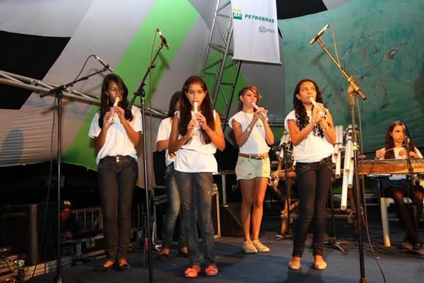 A Pequena Orquestra de Cavalcante se apresenta no sábado (30/8) (Marcelo Dischinger/Divulgação)