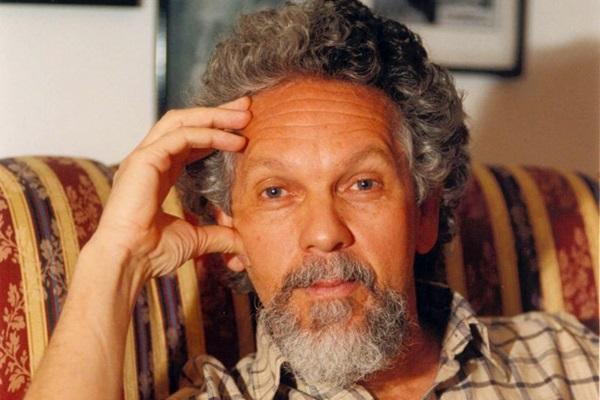 Bazzo: 'Escrevo para tentar salvar-me neste mundo problemático e vil' (Edson Ges/D.A Press)