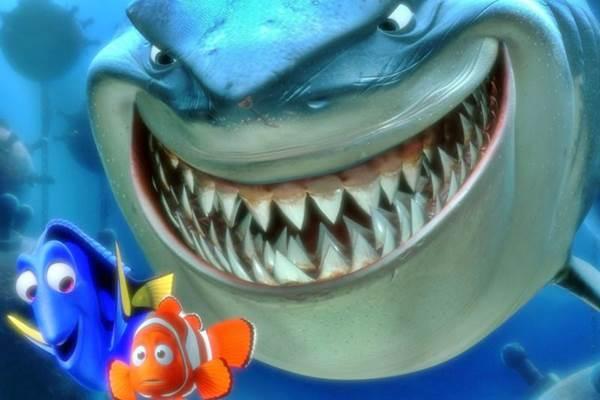 'Oi, eu sou a Dory'. A história do peixe-palhaço Nemo lucrou mais de US$ 920 milhões durante a estreia. O filme ganhou uma versão em 3D em 2012 (Disney Pixar/Divulgação)