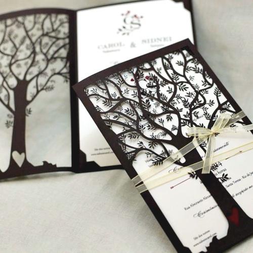 Convite de casamento divulgado por Carol (Arquivo Pessoal)